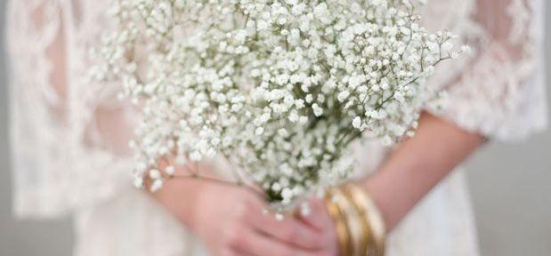 zdjęcia ślubne - bukiet z gipsówki