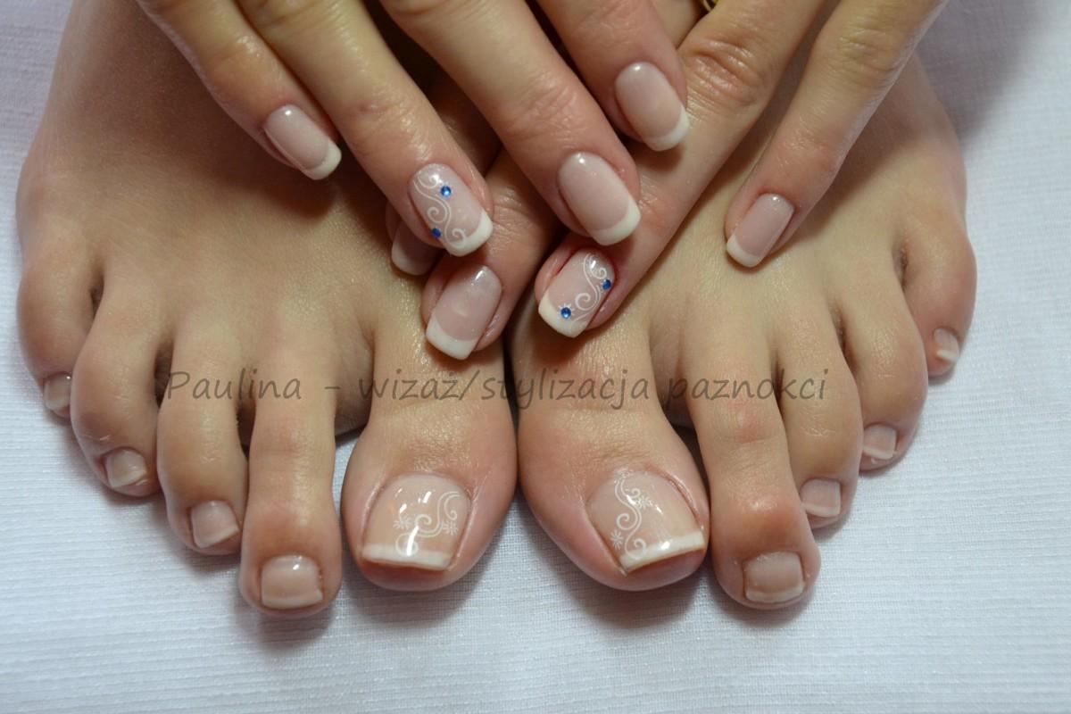 Ślubna stylizacja paznokci –wszystko copowinniśmy wiedzieć omanicure ślubnym.